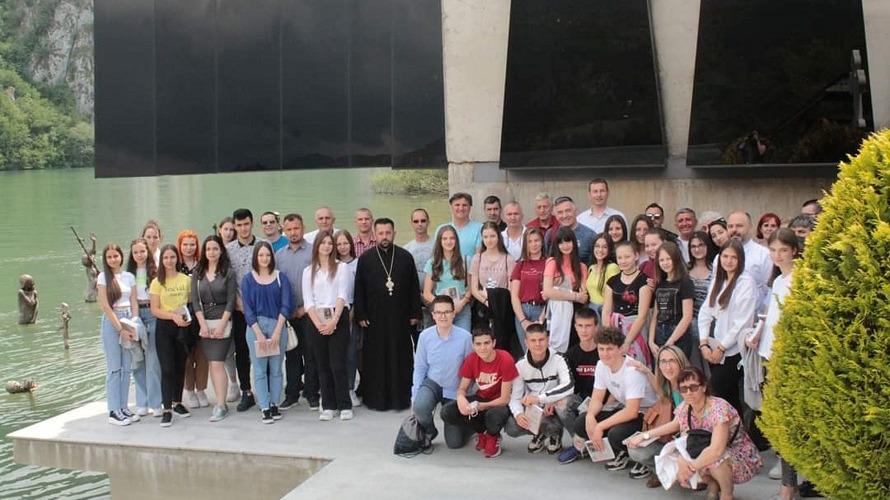 U Starom Brodu održano predavanja učenicima iz ove lokalne zajednice o stradanju Srba sa ovih prostora