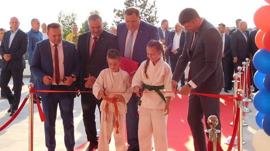 Svečano otvorena nova sportska dvorana(FOTO)