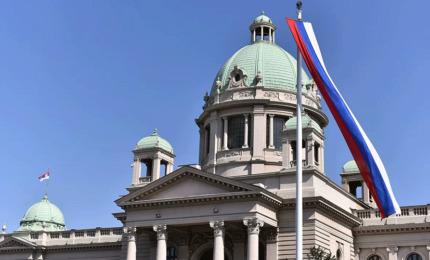Prijedlog zakona o zaštiti ćirilice usvojen i u Skupštini Srbije