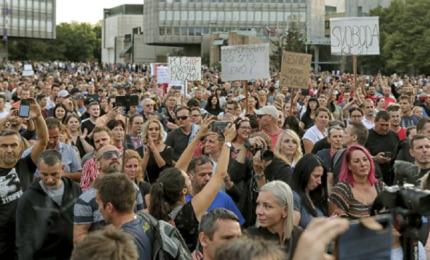 Slovenija: Povrijeđeno više policajaca u neredima (VIDEO)