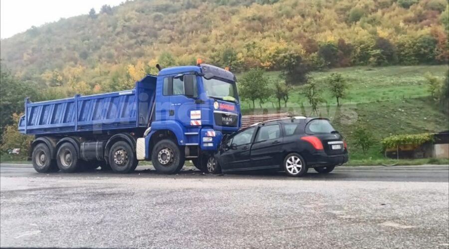 Saobraćajna nezgoda u Istočnom Sarajevu (FOTO)
